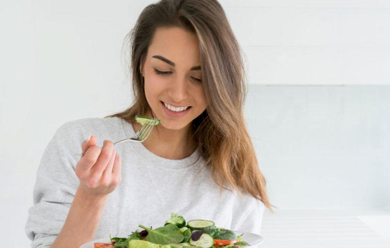 Vitamiinit ja kasvikset tekevät iholle hyvää.