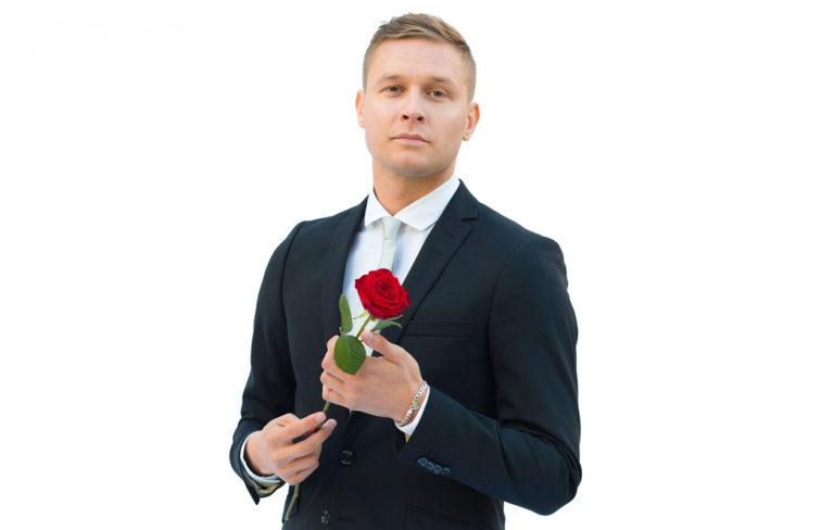 """Suomen Bachelor Tuomas Sahimaa: """"Yksin ei pysty olemaan niin onnellinen kuin toisen kanssa"""""""