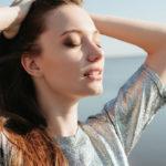 Lyhytaikainen altistuminen UV-säteilylle ei ole vaarallista. Sen sijaan se synnyttää D-vitamiinia.