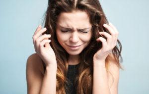 Paniikkikohtauksen oireet ja syyt– näin tunnistat