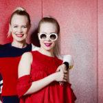 Taiteilija Johanna Oras ja hänen tyttärensä Olivia heittäytyivät tähtimalleiksi.