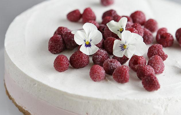 Martinex äänestä kaunein kakku ja voita leivontatarvikesetti