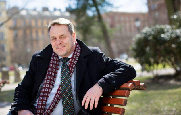 – Kaikkein isoimmat kysymykset, kuten puolison ja työpaikan valinta, ovat sydämen asioita, Jan Vapaavuori sanoo.
