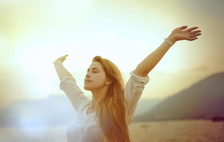 Kirkasta ja puhdista aurasi – 7 keinoa vapautua negatiivisista energioista