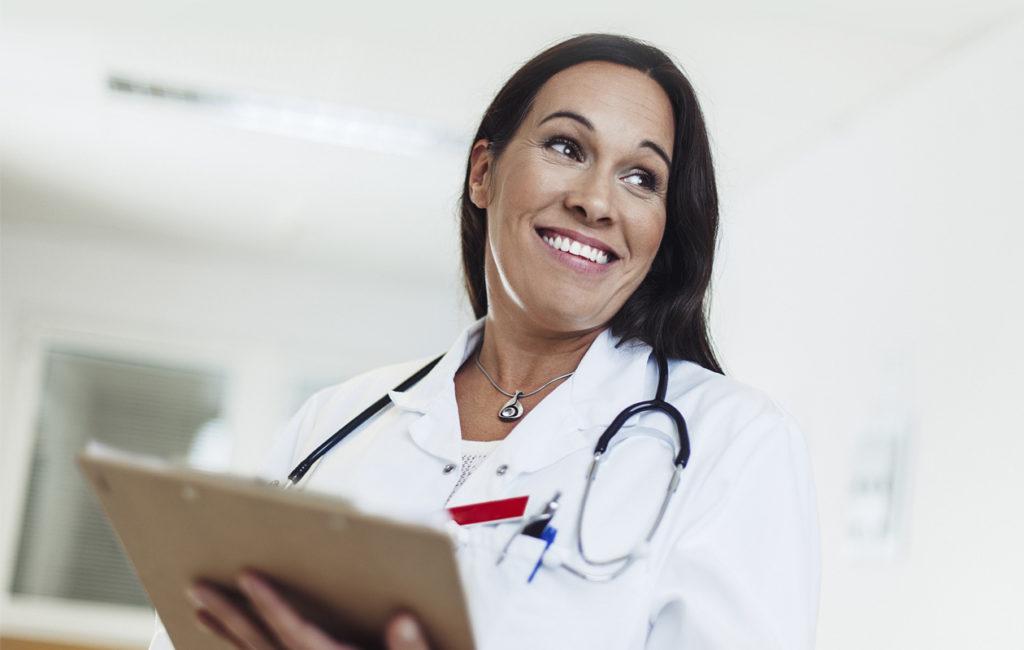 Naisten yleisin ammattiryhmä ovat hoivapalvelun ja terveydenhuollon työntekijät.