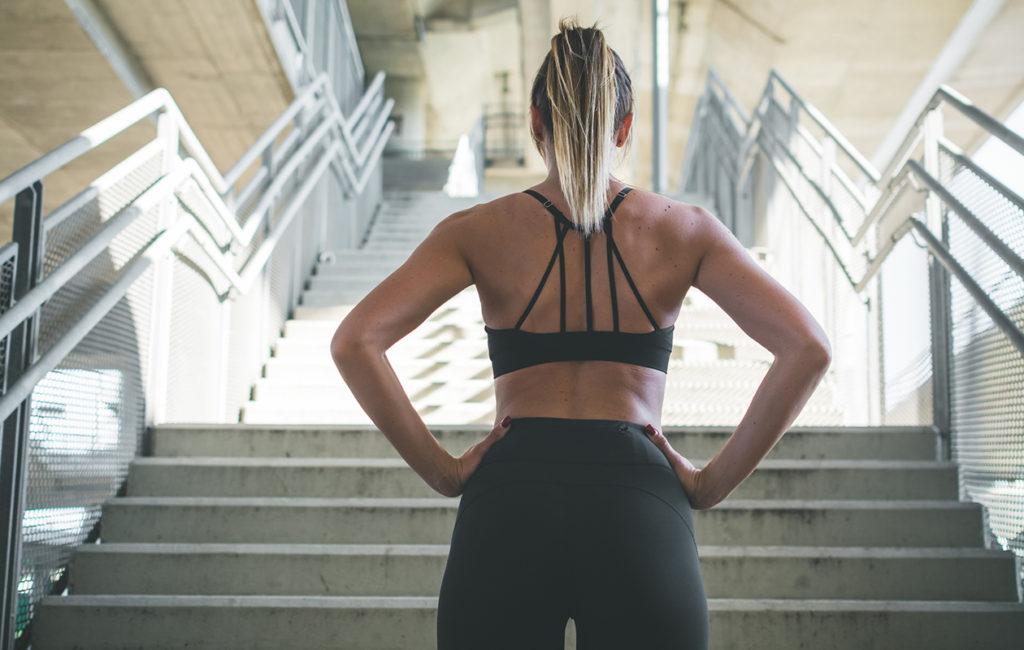 Monet nousevat portaat vain etureisien lihaksia käyttämällä.