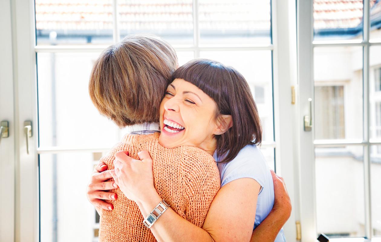 6 syytä, miksi olet erityisen onnekas, jos sinulla on huomattavasti vanhempi sisarus