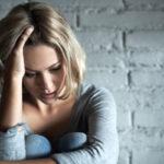 Sympatikotonian vuoksi ihminen ei saa levättyä ja hänen olonsa voi olla ahdistunut.