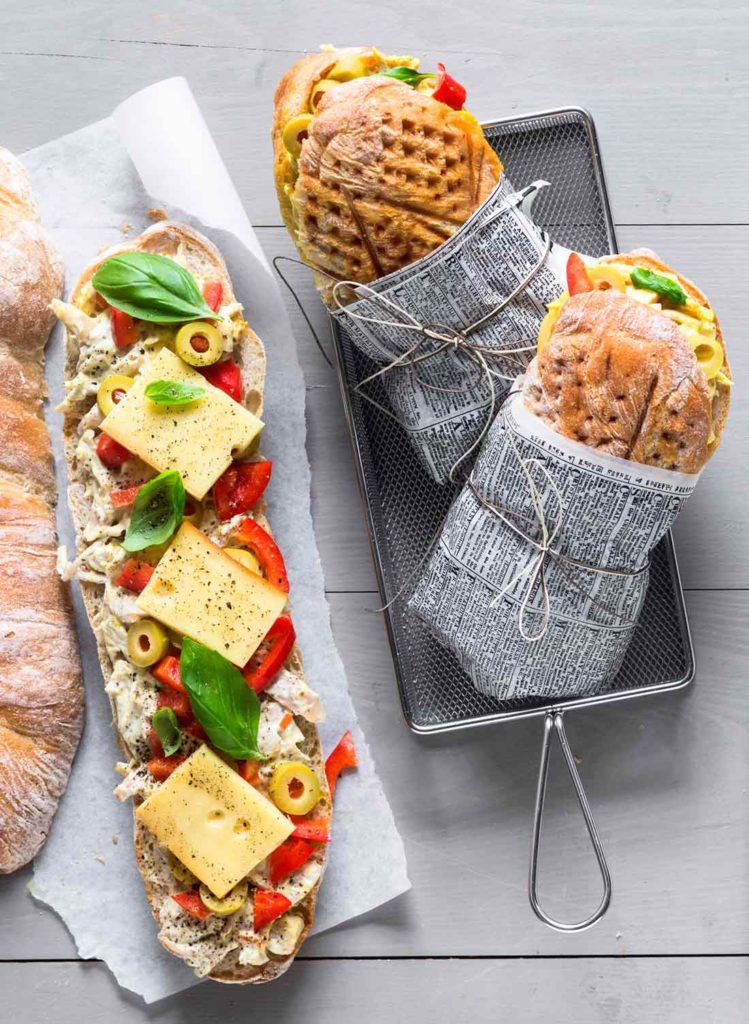 Lämpimiä voileipiä on kiva tarjota esimerkiksi iltapalaksi.