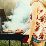 Jos haluat päästä kesäturvotuksesta eroon, kannattaa suolainen grilliruoka jättää toviksi sikseen.