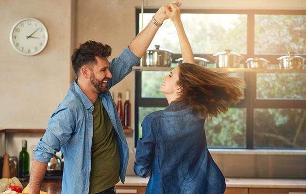 10 merkkiä, jotka kertovat sinun elävän terveessä ja toimivassa parisuhteessa