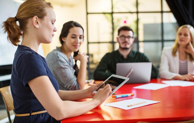 Narsisti työpaikalla – näin tulet toimeen myrkyllisen työkaverin kanssa