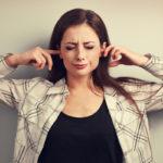 Misofoniassa tietyt äänet laukaisevat voimakkaan tunnereaktion.