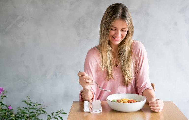 Pudota painoa ayurvedan keinoin – eroon liikakiloista ilman tiukkaa dieettiä