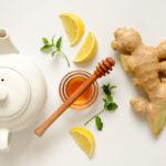 Auttaako hunaja tai inkiväärin flunssan taltuttamisessa? Kysyimme asiaa asiantuntijalta.