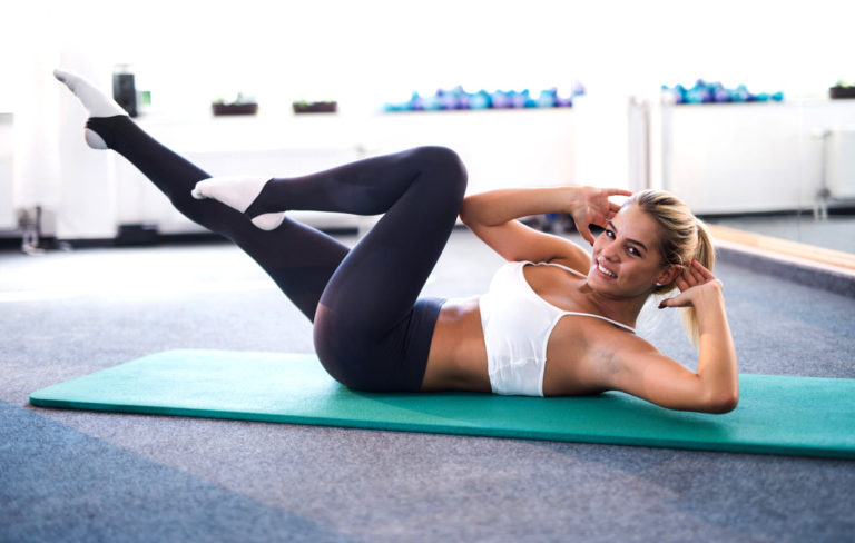 30 päivän vatsalihashaaste: 30 päivässä vatsalihakset kuntoon. Vatsalihasliikkeet ovat helppoja ja tehokkaita.