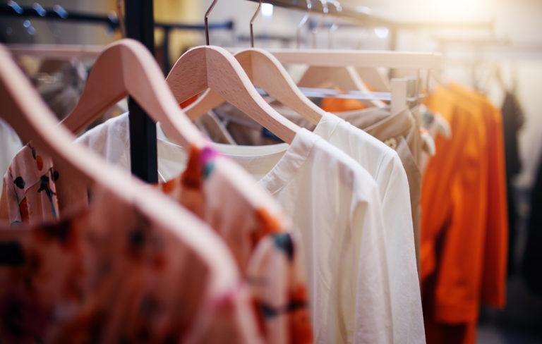 Naisten vaatteiden ja kenkien koot – katso eri maiden vaatekoot kokotaulukosta!