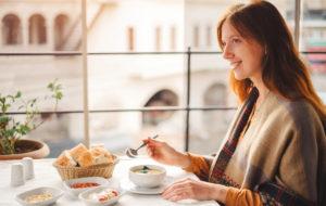 Vähennä turvotusta ja paranna ruoansulatusta ayurvedan keinoin