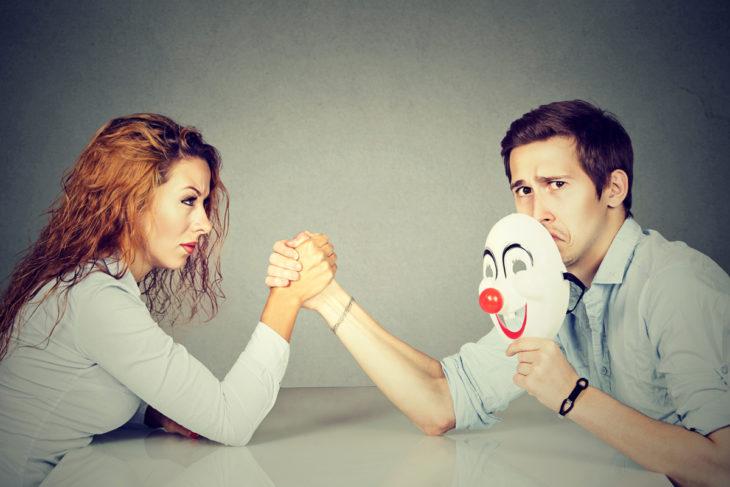Bipolaarinen mielialahäiriö vaikuttaa parisuhteeseen.