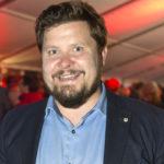 Janne Kataja sanoo tekevänsä lähestulkoon mitä vain television lajityyppiä, jos työhön liittyy komediallisuus.