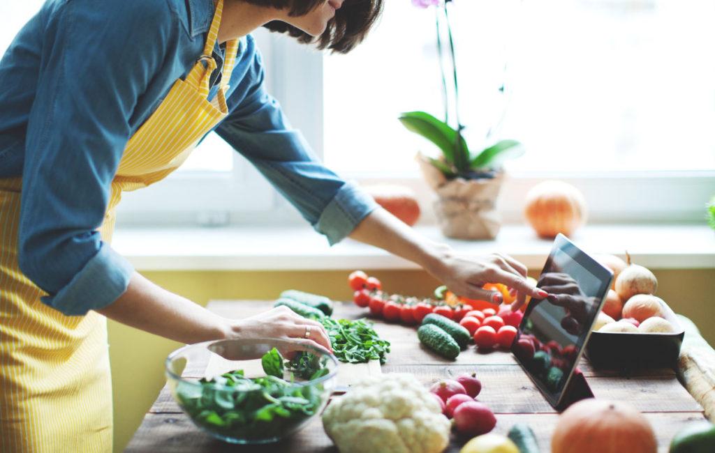 Kasviksia pitäisi syödä puoli kiloa päivässä. Se ei ole niin vaikeaa, kuin luulisi.