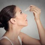 Jos silmä on ärtynyt, kannattaa käyttää pipettiin pakattuja tippoja, sillä ne eivät sisällä säilöntäaineita.