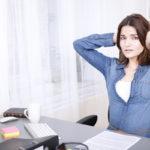 Jos muut juttelevat ympärilläsi, työhön keskittyminen voi olla vaikeaa.