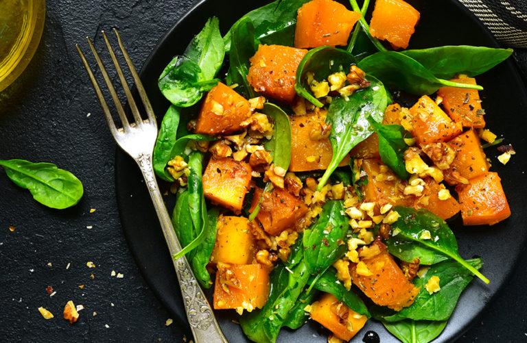 Ravintolatasoiset kasvisruoat kypsyvät uunissa kuin itsestään