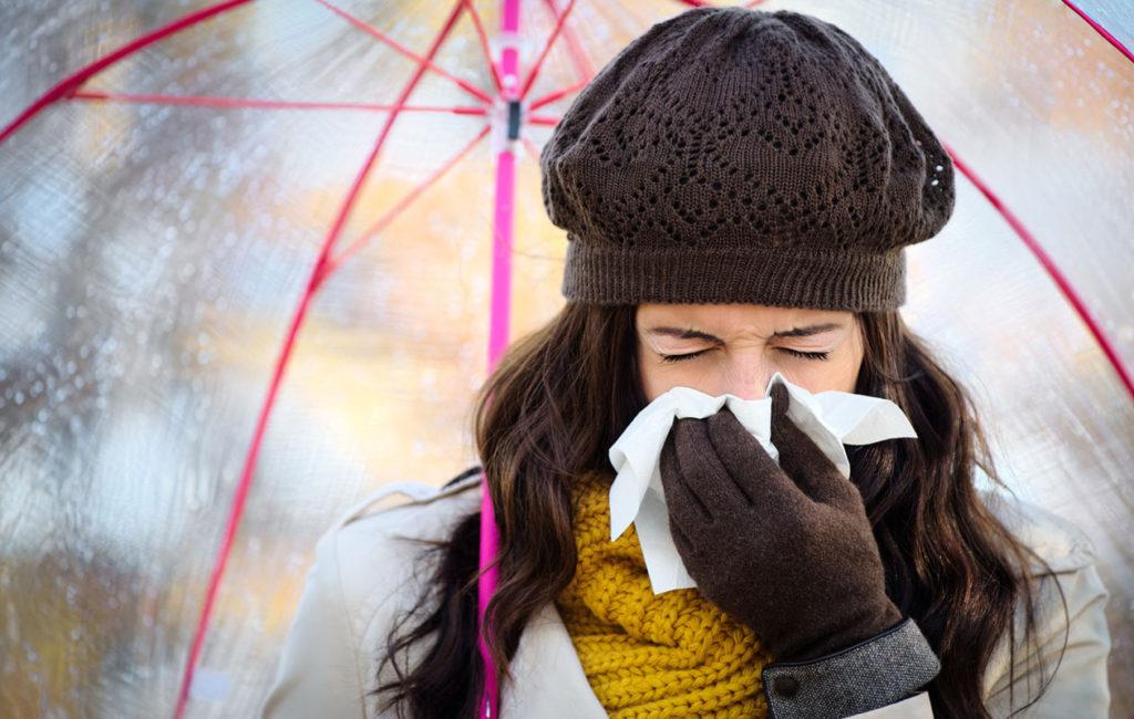 Moni sekoittaa allergisen nuhan flunssan oireisiin.