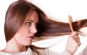 Lähteekö sinulta paljon hiuksia? Kokeile näitä vitamiineja ja ravintoaineita
