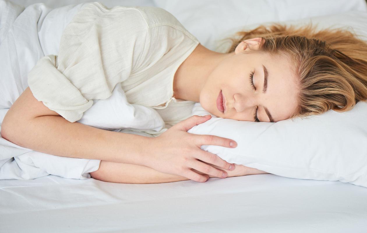 Oletko jatkuvasti väsynyt vaikka kuinka nukut? Tee nämä muutokset elämääsi