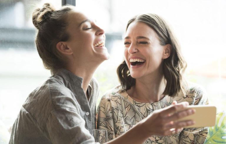 Nauraminen tekee hyvää.