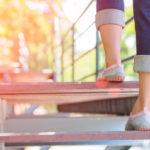 Portaiden kiipeäminen on helppo tapa lisätä päivittäistä hyötyliikuntaa.