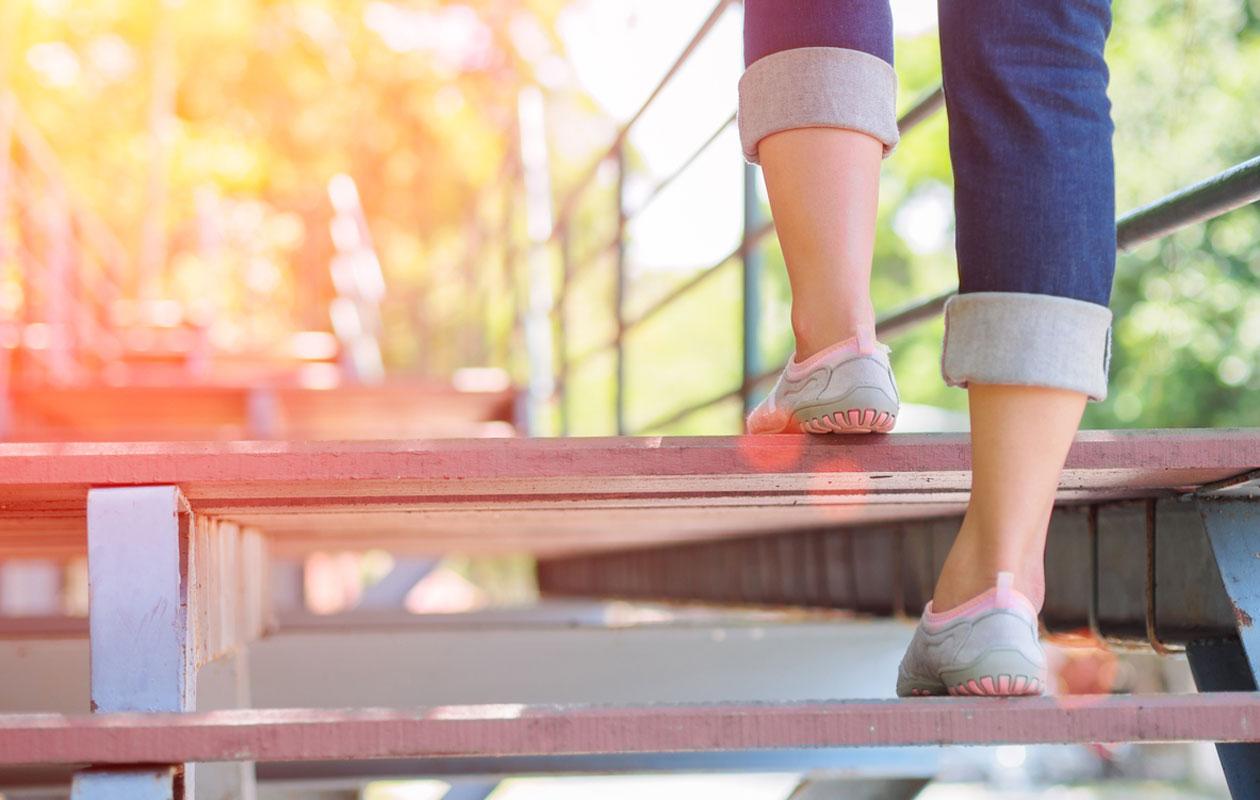 Porraskävely ja portaiden kiipeäminen.