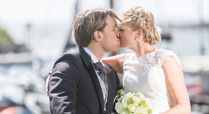 Jouni ja Mari kuvattiin hääpäivänä romanttisissa tunnelmissa.
