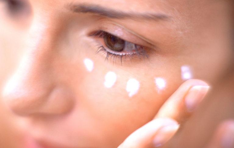 Silmänympärysvoide testi