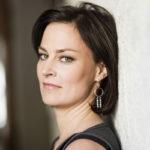 Näyttelijä Lotta Lehtikari kertoo luopuneensa roolista epäasiallisen kohtelun vuoksi.