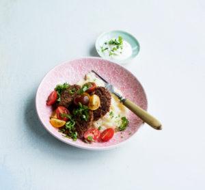 mustapapu-kvinoapihvit ja selleripyree