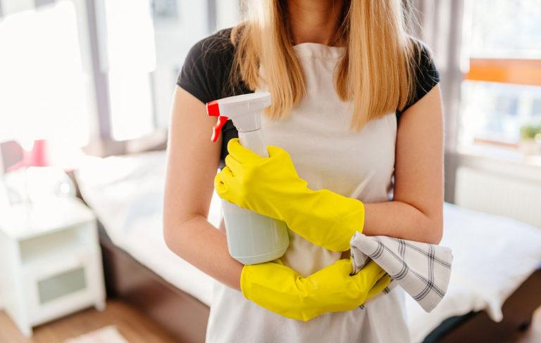 Luulitko osaavasi siivota oikeista paikoista? Nämä ovat kodin pahimmat bakteeripesät