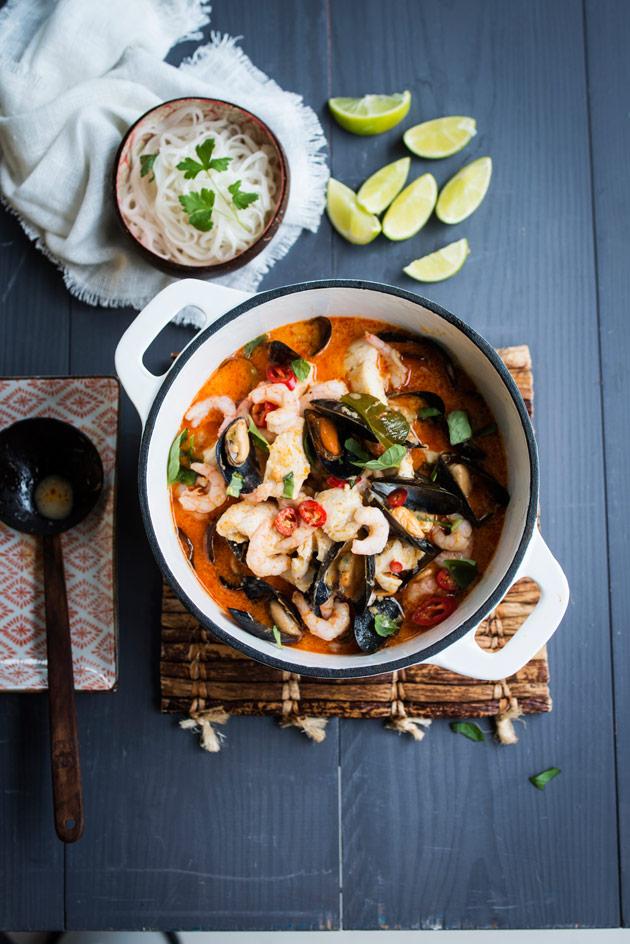 thaimaalainen kala-simpukkapata