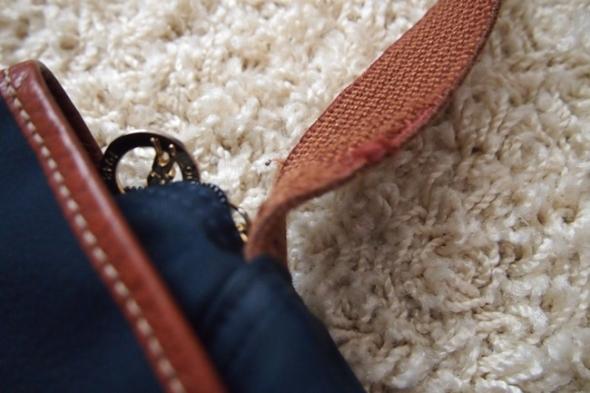 Longchamp Le Pliage Kosmetiikka Laukku : Myynniss? longchamp le pliage messenger jenni ukkonen