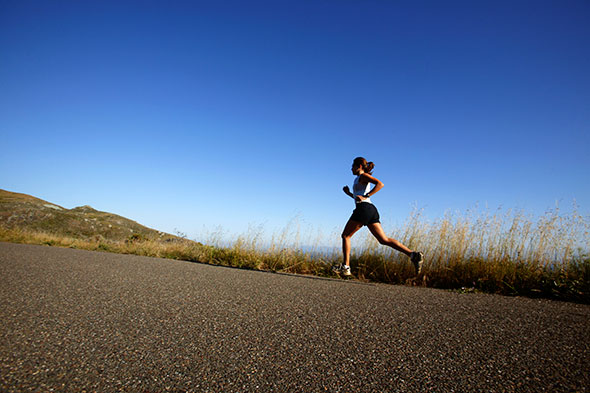 Lenkkeily on tekohasta ja monin tavoin terveellistä liikuntaa. Juokseminen  muun muassa pienentää riskiä sairastua sydänsairauksiin a347ba3a81