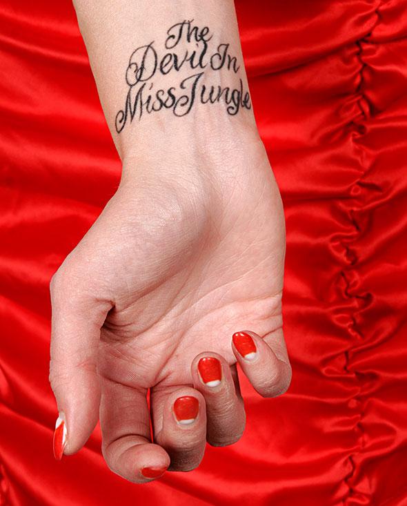 tatuointi ranne salatut elämät 2011