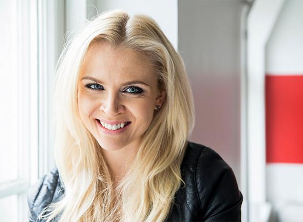 Susanna Laine Ilman Meikkiä