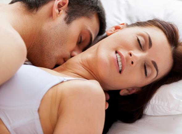 naisten itsetyydytys videot mies katsoo pornoa