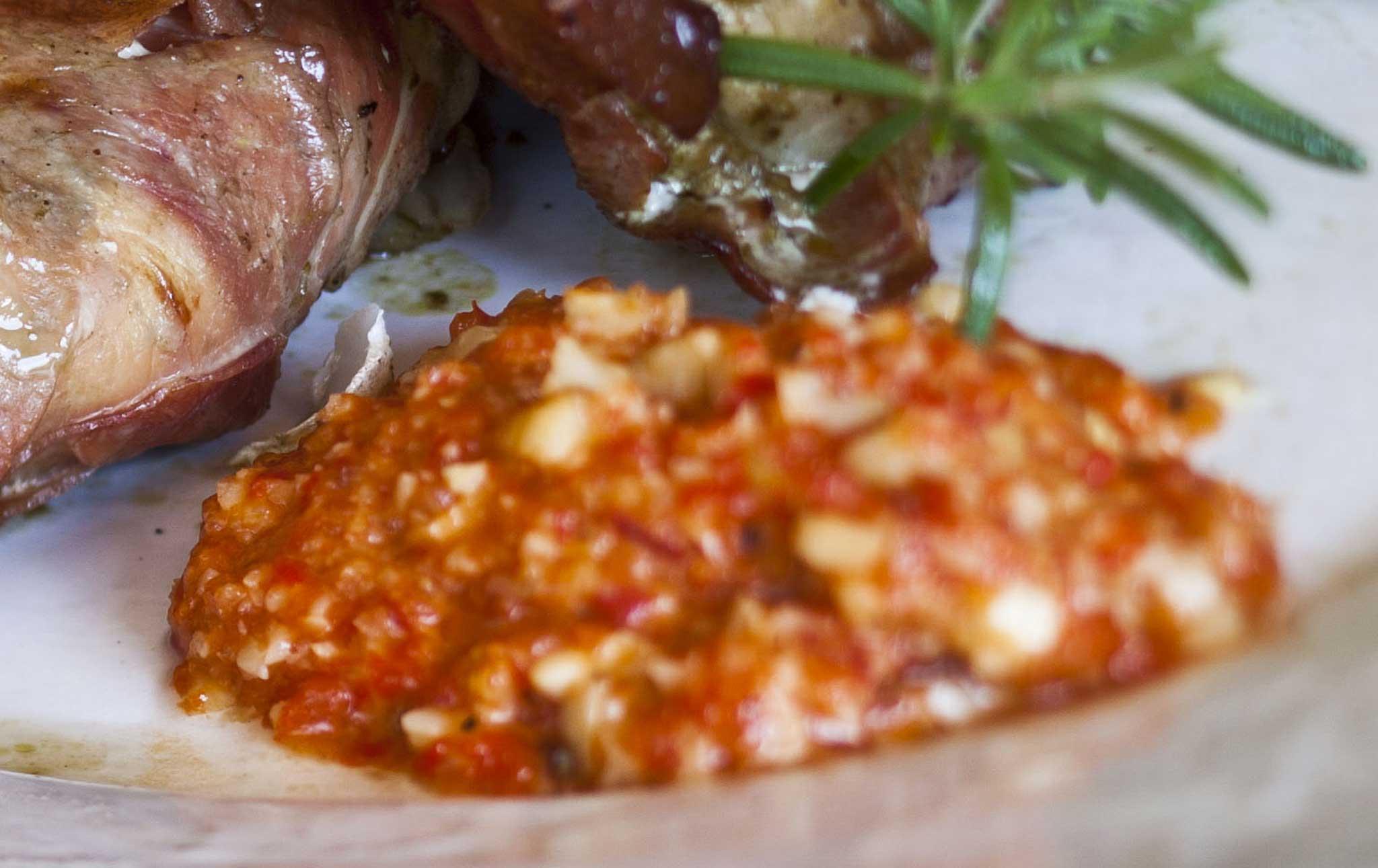 paprika-tomaattikastike pastalle