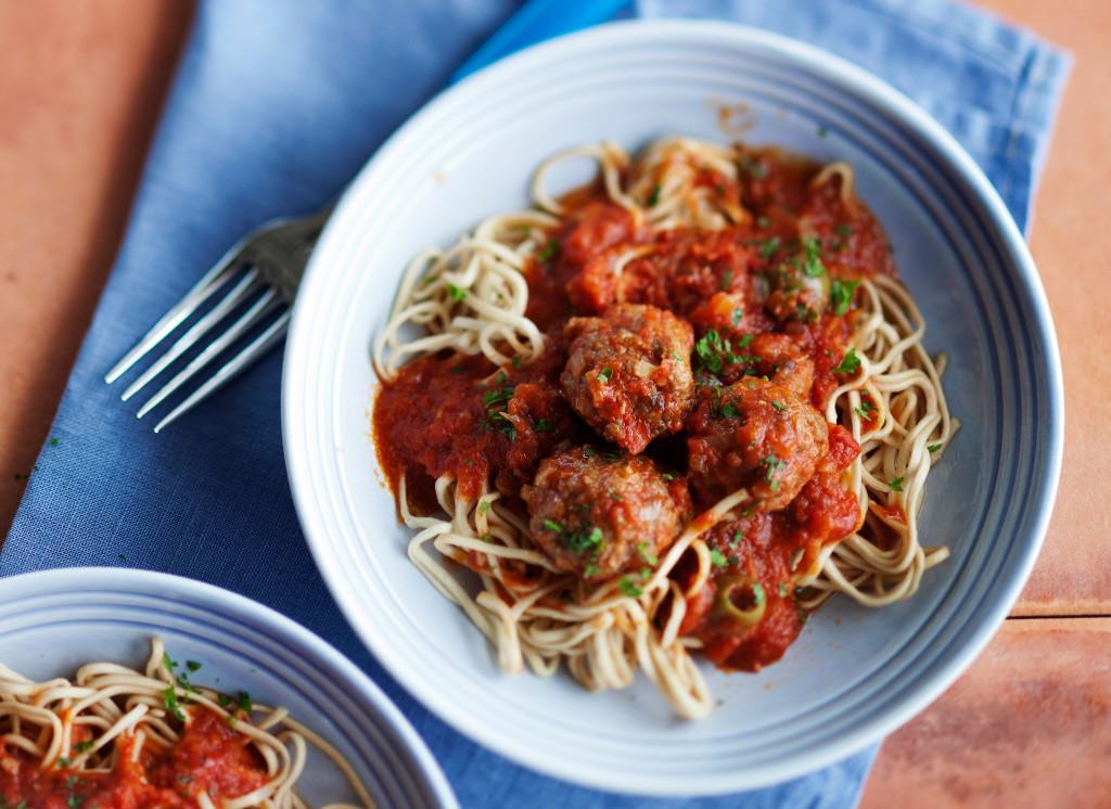 lihapullat tomattikastikeessa