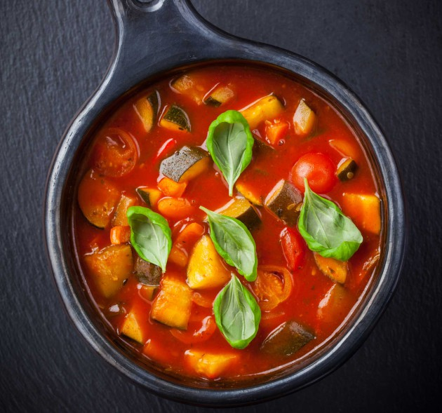 minestronekeitto peston kera