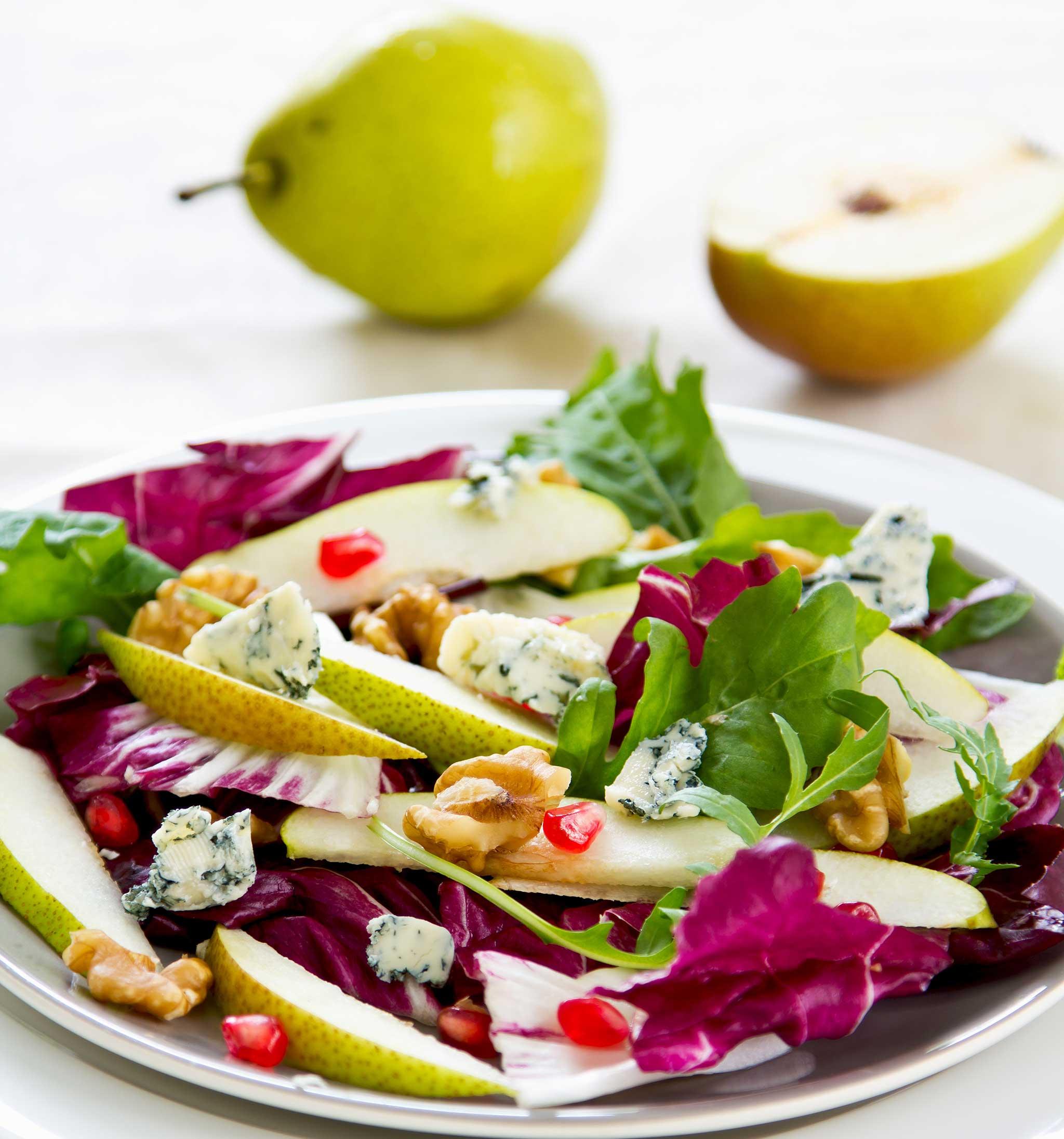 palsternakka-päärynäsalaatti