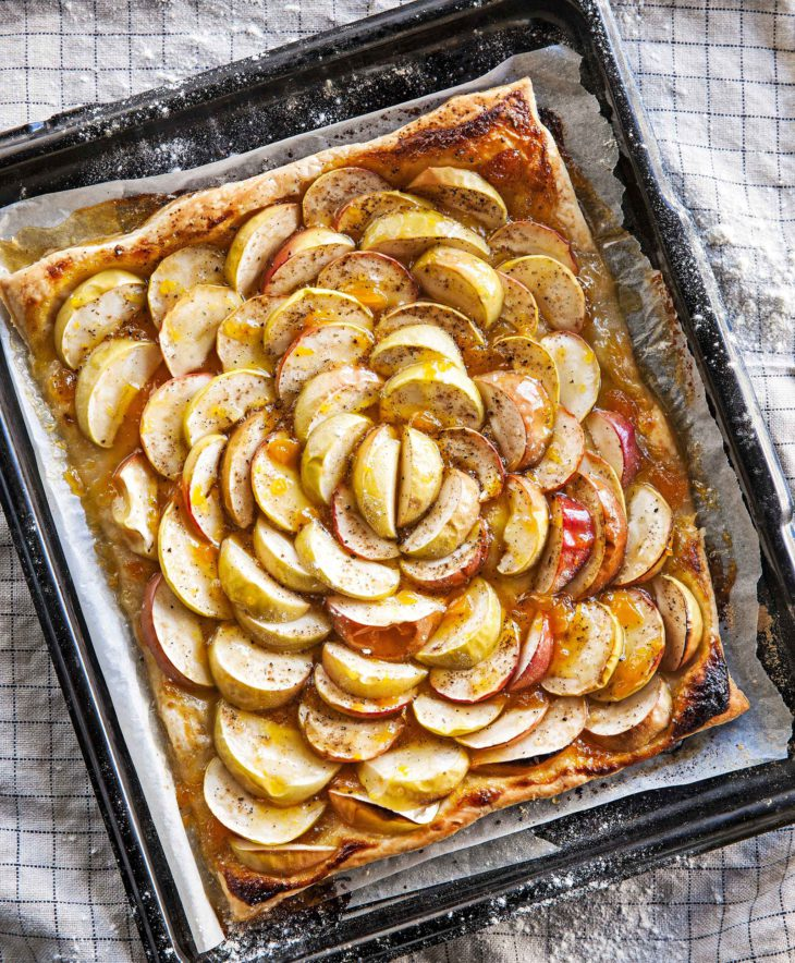 omenapiirakka, koko pellillinen